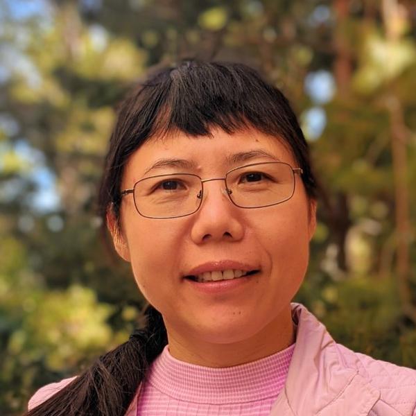headshot of Feng Bo